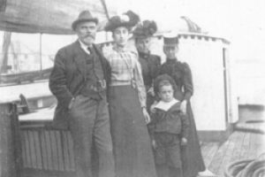 Selina Smith family on board Gem (crop)-350x0