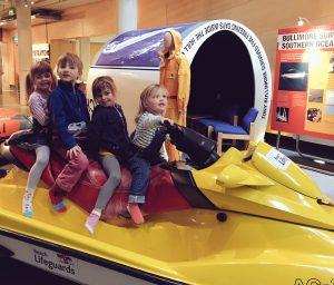 Mini-travellers-on-the-jetski